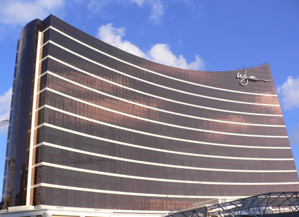 Putting the finishing touch on Wynn's new casino