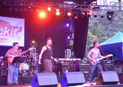 Soler performing at Rockit, an outdoor music festival