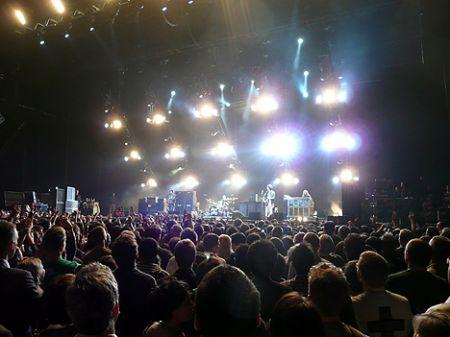 http://www.hongkonghustle.com/wp-content/photos/Hong_Kong_concert_band_show.jpg
