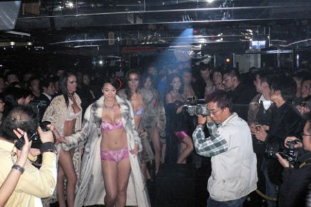 Hong Kong models Beijing
