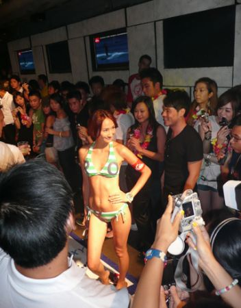 Roxy fashion show Hong K