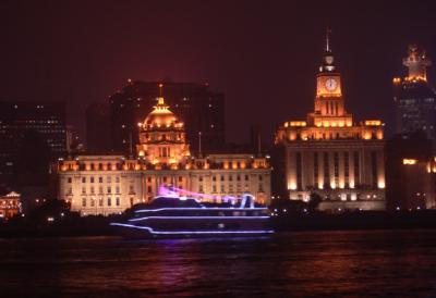 Even the boats have lights! The Bund.