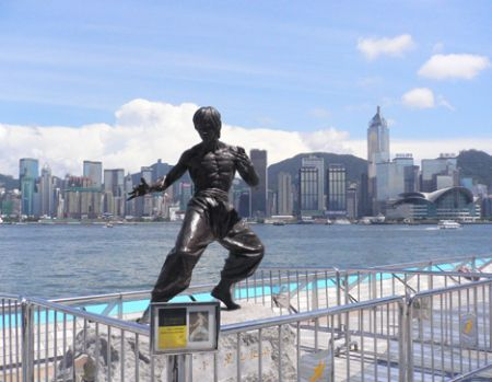 bruce lee statue avenue of stars hong kong hk