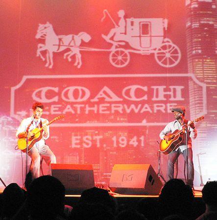 John_Mayer_guitar_concert_H