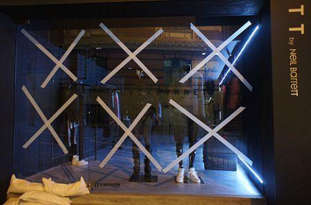 typhoon_hong_kong_hk_preparations-store