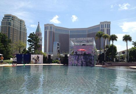 hard rock hotel pool party macau casino city of dreams macao