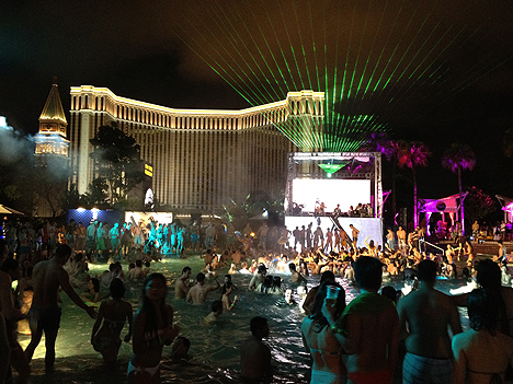 splash pool party macau hard rock hotel casino