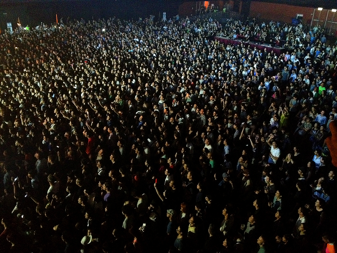 the xx live in hk concert hong kong show kitec band kowloon bay china tour
