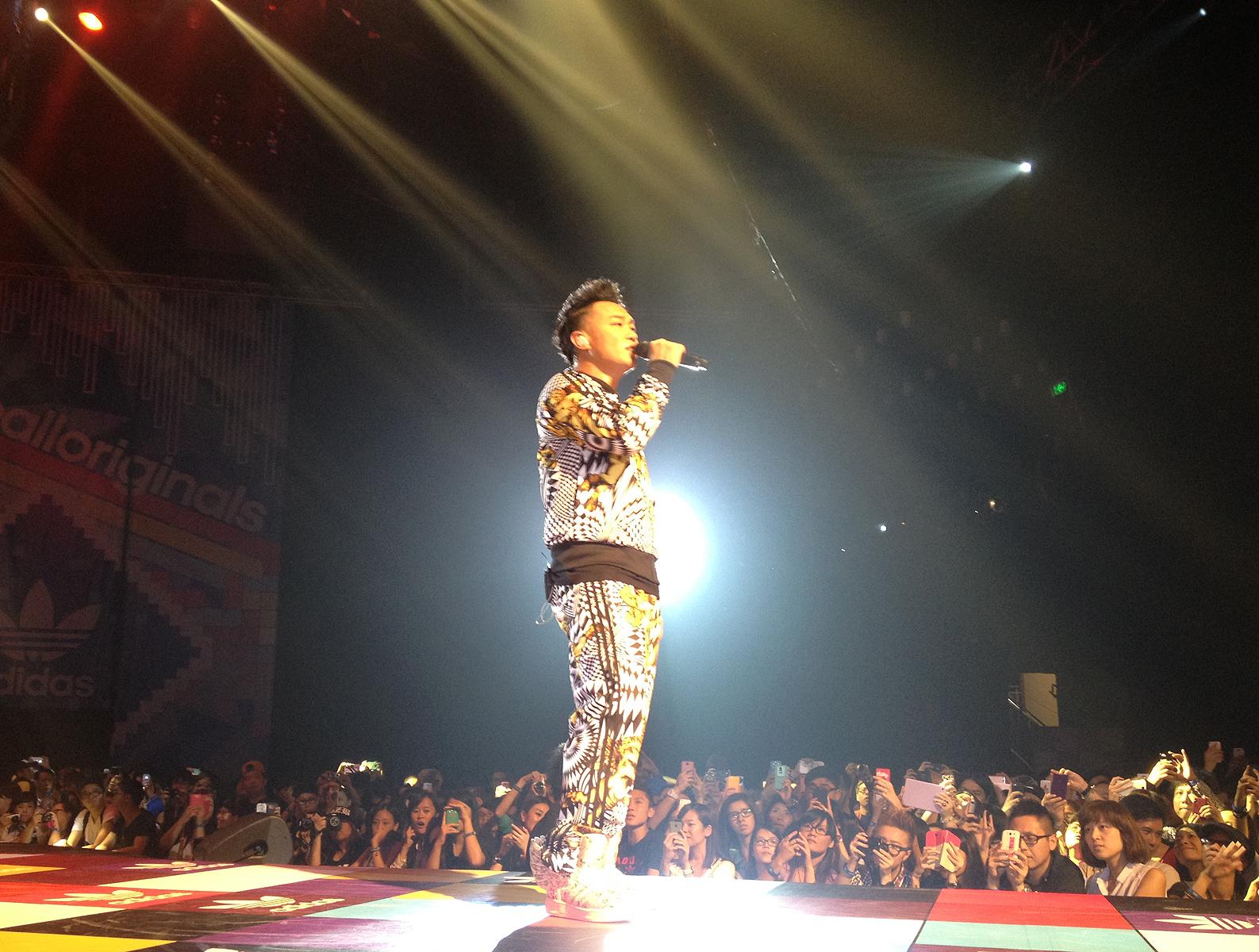 2ne1 Concert Hong Kong Adidas Unite All Originals