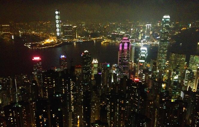 art-basel-hong-kong-carsten-nicolai-hk-icc-building-light