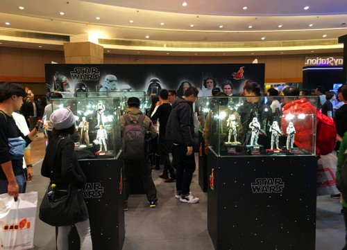 star wars force awakens hot toys figures